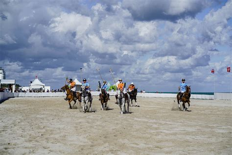 BEACH POLO WORLD CUP IN MIAMI - HIDEMYCOAT