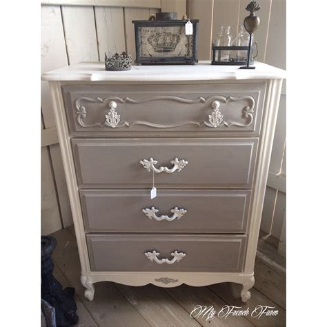 Beautiful dresser painted with Annie Sloan chalk paint in ...