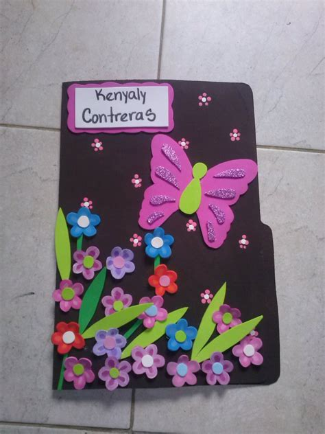 Bellas Carpetas Decoradas En Foami   Bs. 350,00 en Mercado ...