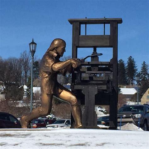 Ben Franklin, Craftsman sculpture. Masonic Village ...