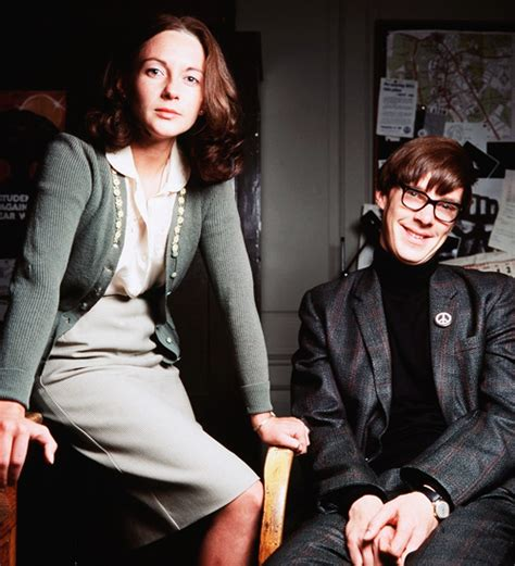Benedict & Lisa Dillon as Stephen Hawking & Jane Wilde in ...