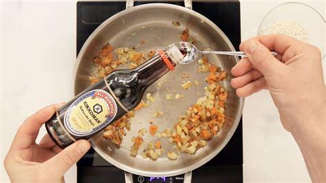 Berenjena rellena de arroz, verduras y salsa de soja ...