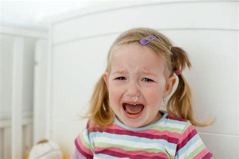 Berrinches y pataletas en niños de 2 y 3 años. Manual ...