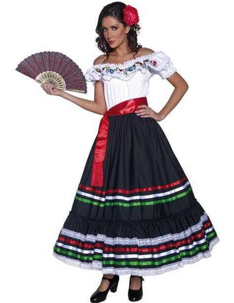 Best 25+ Mexican traditional clothing ideas on Pinterest ...