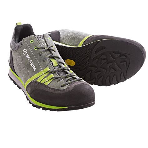 Best Light Running Shoes For Men   Muslim Heritage