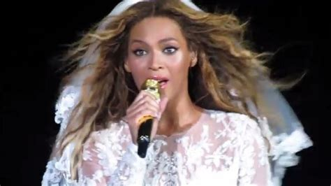 Beyoncé Changes Lyrics To 'Resentment,' @ On The Run Tour ...
