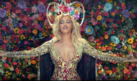 Beyonce cleavage in new Coldplay video fuels pregnancy ...