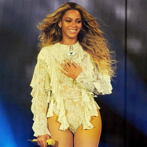 Beyonce Draws All Star Crowd to Rose Bowl Concert in Los ...