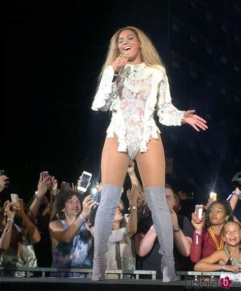 Beyoncé durante su concierto en Barcelona fotografiada por ...
