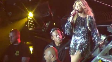 Beyoncé funde feminismo y erotismo en el Sant Jordi