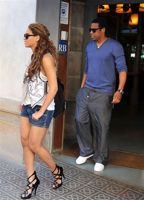 Beyonce Knowles in Beyonce & Jay Z Leaving A Restaurant In ...