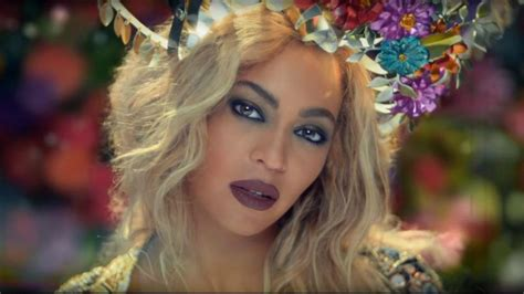 Beyonce Looks Gorgeous as Always in Coldplay's New 'Hymn ...