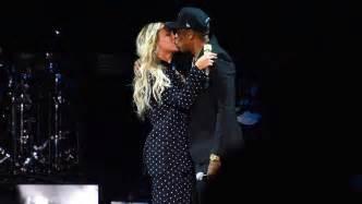 Beyoncé revela que está embarazada de mellizos y presume ...