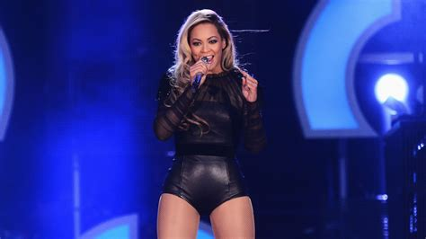 Beyonce To Stop In Mexico On  Mrs. Carter  World Tour ...
