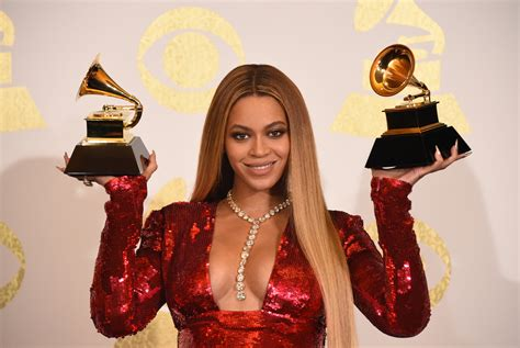Beyonce Wears Palomo Spain Dress for First Photo with ...