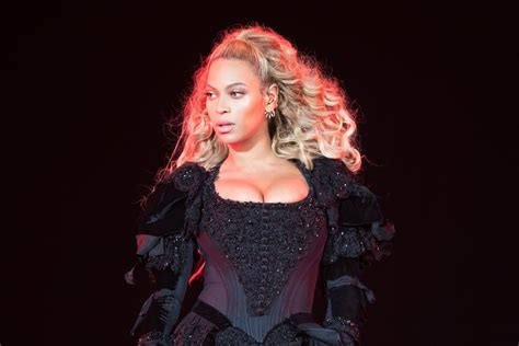 Beyoncé's Formation Tour Rehearsal Look Is Surprisingly ...