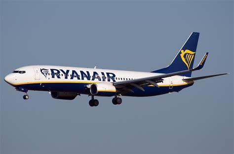 Boeing 737 800 Ryanair. Photos and description of the plane