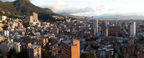 Bogotá esquiva al Estado con ensayos de autogestión urbana