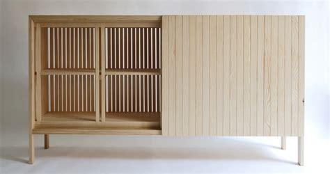 Bonitos muebles de madera maciza hechos a mano