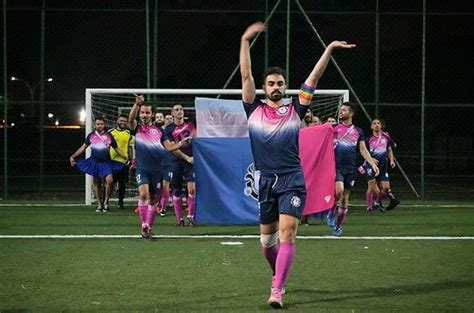 Brasil crea su primera liga de futbol gay | Desastre MX