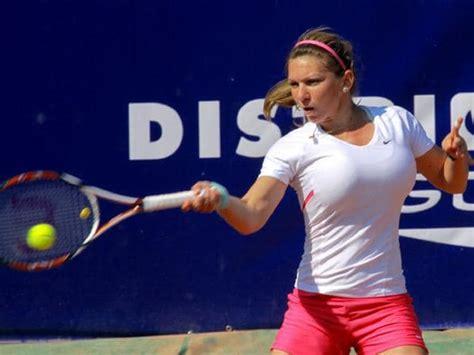 Breast reduction saved tennis star Simona Halep's career