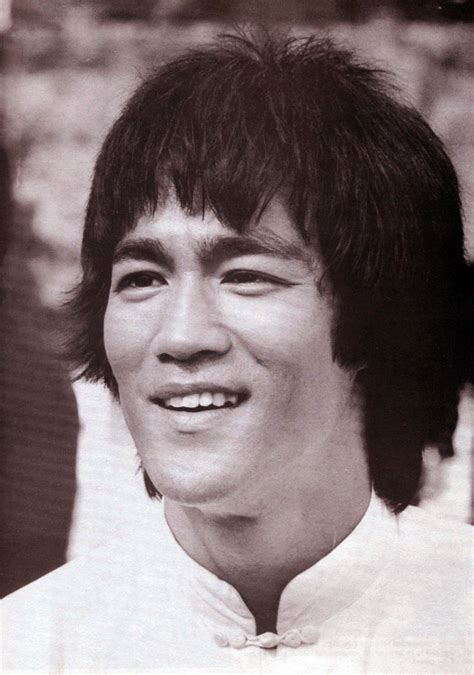 Bruce Lee Biography - Actor Martial Arts