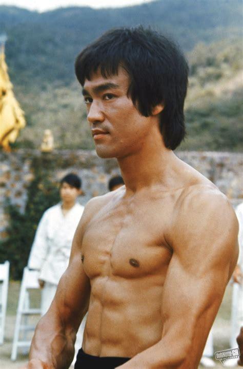 Bruce Lee - Películas (Audio Latino): Imágenes de Bruce Lee