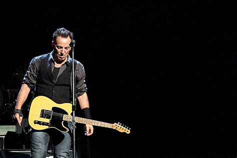 Bruce Springsteen Announces First Dates of 2012 Tour