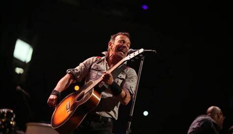 Bruce Springsteen cancela concerto por causa da