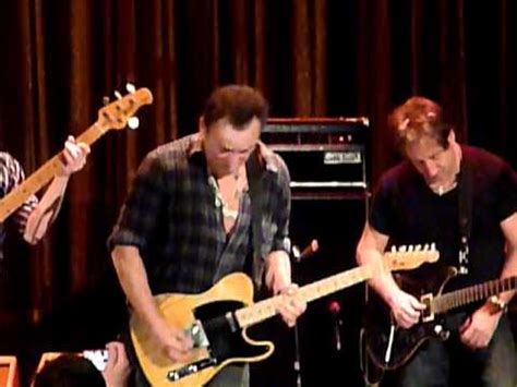 Bruce Springsteen  guitarsolo    YouTube