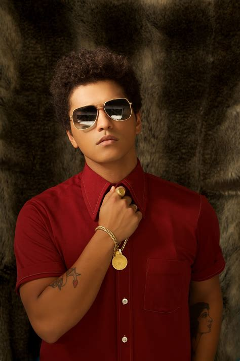 Bruno Mars photo gallery - high quality pics of Bruno Mars ...