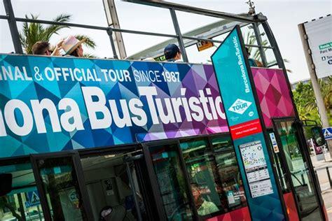 bus-turistic-parada.jpg | TMB Notícies