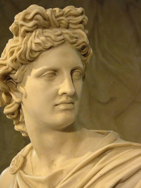 Busto di Apollo del Belvedere. 76x54x24cm - Vendita di ...