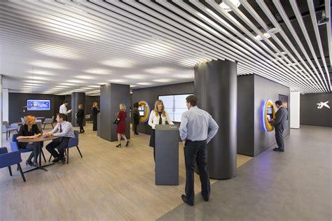 CaixaBank abre en Iturrama su tercera oficina del nuevo ...