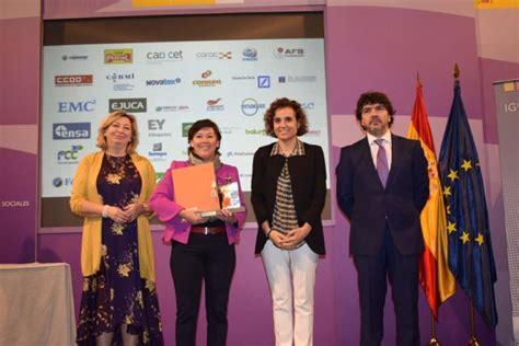 Cajamar y BCC reciben el distintivo  Igualdad en la ...