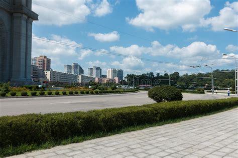 Calle En Pyongyang, La Capital De Corea Del Norte Foto de ...