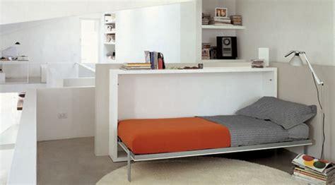 Cama abatible horizontal con mesa plegable | Sofas Cama Cruces