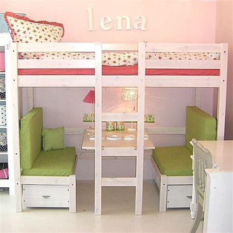 Camas infantiles. Ganar espacio con camas altas   Pequeocio