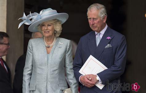 Camila de Cornualles y el Príncipe Carlos de Gales en la ...