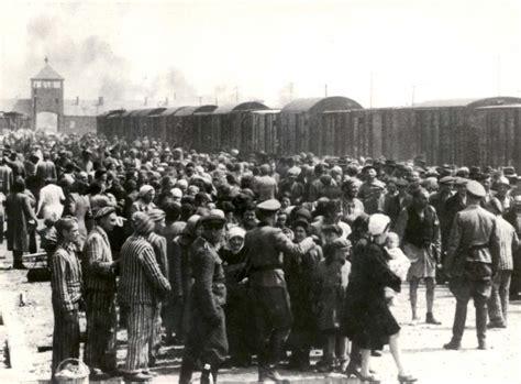 Camp d extermination d Auschwitz Birkenau   www.yadvashem.org