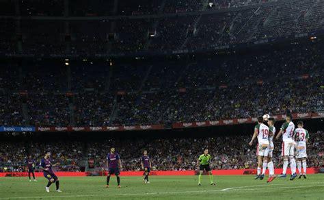 Camp Nou: Socios del Barça se quejan por el 'Seient Lliure ...