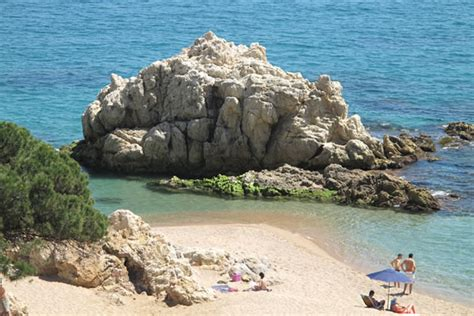 Camping Roca Grossa en Calella. Guía Vayacamping