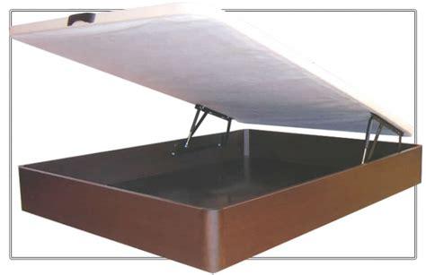 Canapé 135x190 abatible de madera con base tapizada