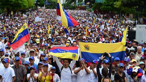 Capriles dice Maduro busca evitar elecciones en Venezuela ...