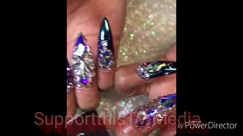 Cardi B Showing Off Her ExoTic finger Nails   YouTube