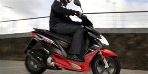 Carnet de moto: Permiso AM   Motor y Racing