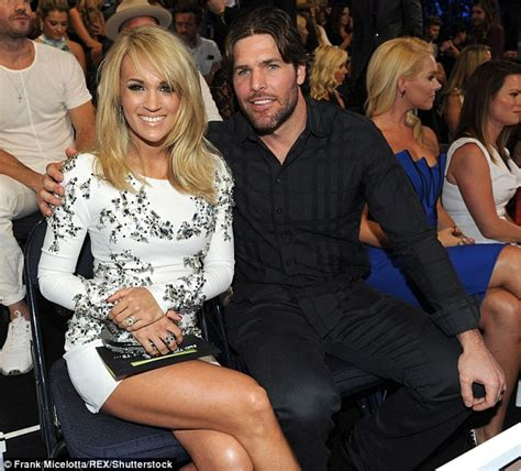 Carrie Underwood shares photo of son Isaiah and husband ...