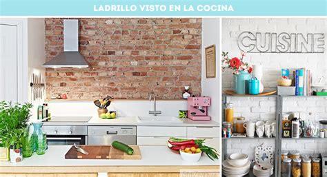 Casas De Ladrillo Visto. . . Fachada De Casa De Campo Con ...