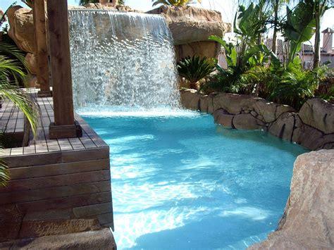 Cascadas para piscinas