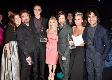 cast Big Bang Theory got together group shot.jpg